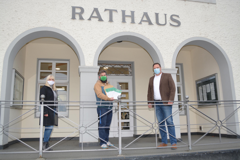 Bad Essener Grüne übergeben Unterschriftenlisten